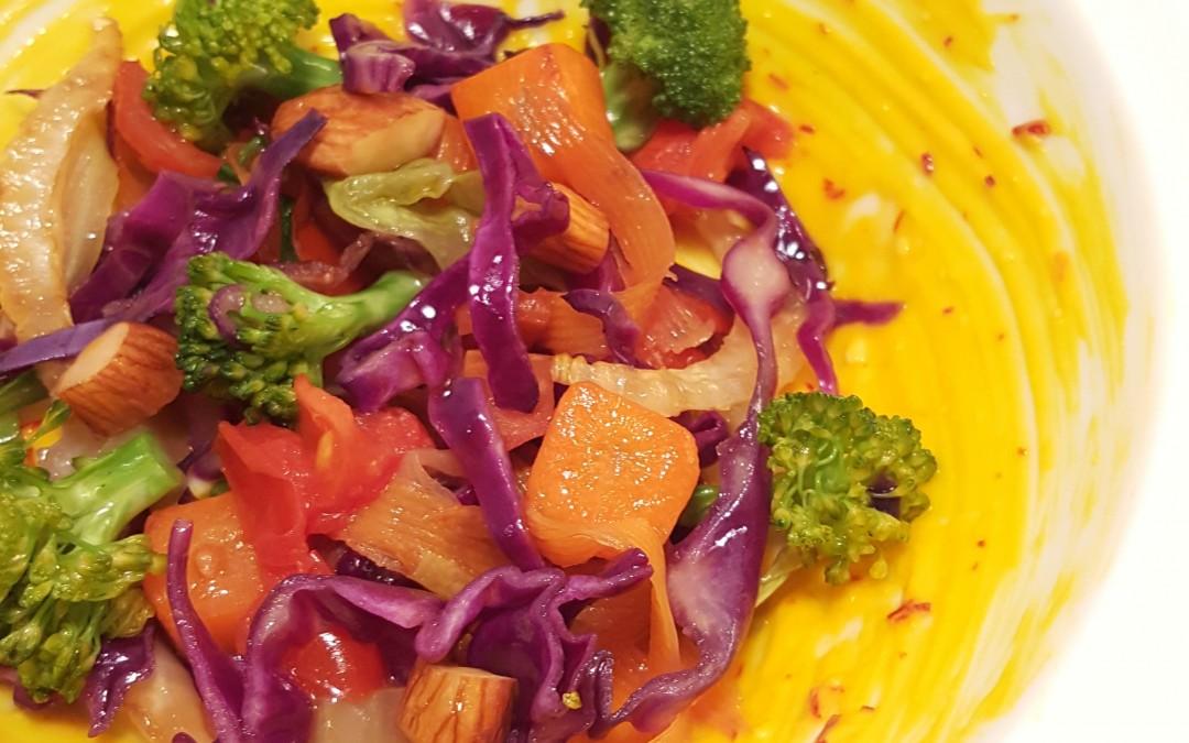 Verdure saltate con salsa allo zafferano